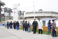 Tres mil médicos aún no se han vacunado contra el coronavirus en Perú