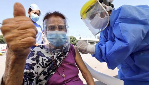 Minsa detalla que a la fecha las brigadas están vacunando contra el COVID-19 a un promedio de 100.000 personas al día. (Foto: Minsa)