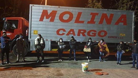 Hallan ocho paquetes de droga entre encomiendas en vehículo de carga de empresa Molina