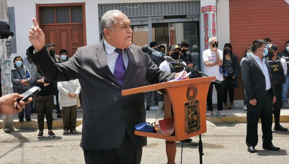 Carlos Romero Tacna lanzó duras críticas en colocación de primera piedra. (Foto: Correo)