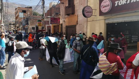 Realizan protesta exigiendo solución de límites/fotos:Diario Correo