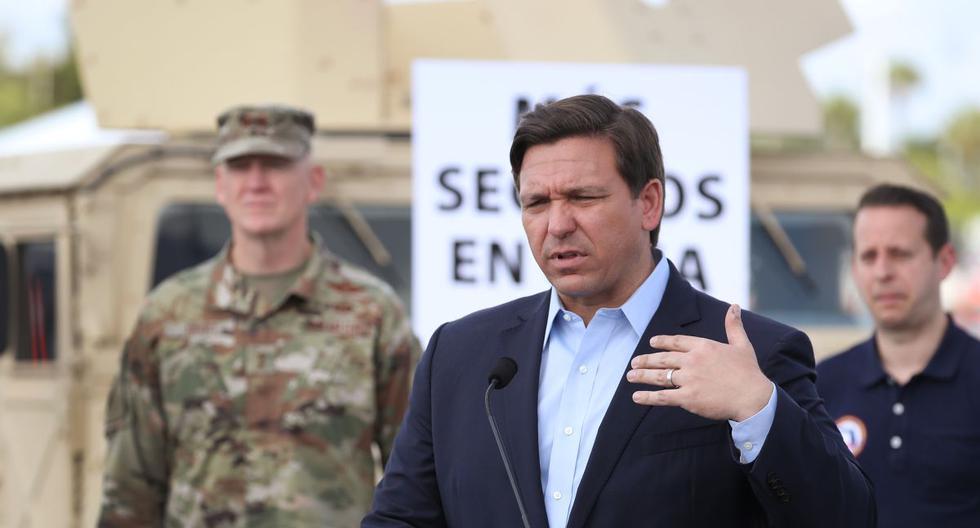 El gobernador de Florida, Ron DeSantis, desestimó las acusaciones de la alteración de cifras de COVID-19. (AFP/JOE RAEDLE).