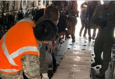 Aeronave de la FAP traslada dosis de vacunas contra la COVID-19 a Huánuco (FOTOS)