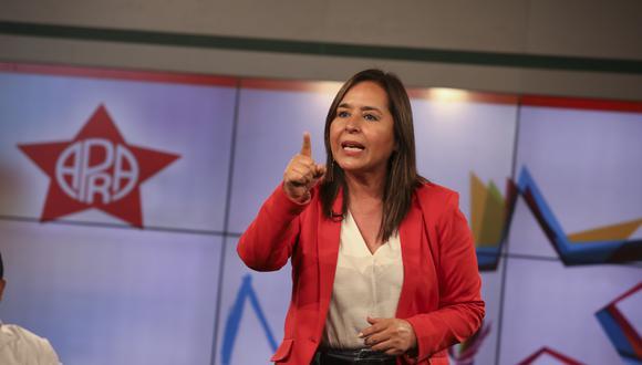Como se recuerda, hace unos días la dirigencia del partido de la estrella procedió con el retiro oficial de la postulación de Nidia Vilchez, luego de que no pudiesen inscribir a la gran mayoría de sus listas al Congreso. (Foto: GEC)