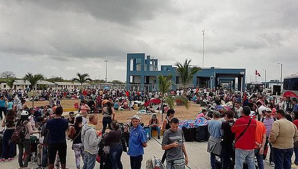 Empresa regala  boletos a los venezolanos de Tumbes  a Lima y viceversa