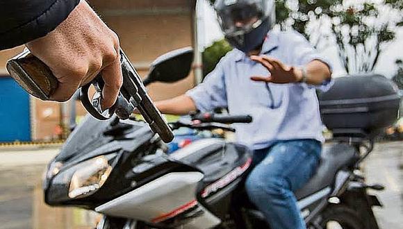 Joven fue encañonado, maniatado y abandonado en descampado por delincuentes que le robaron su moto
