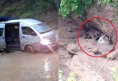 Huaico arrastra y sepulta combi en Cusco, conductor salvó de milagro (FOTOS)