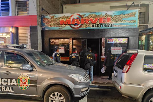 """En local """"Marvel Restobar"""" acudieron policías y municipales"""