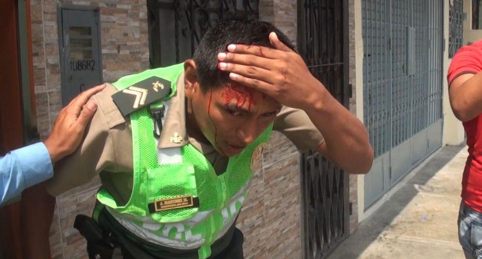 El agente policial resultó durante un operativo contra el transporte informal. (Municipalidad de Surco)