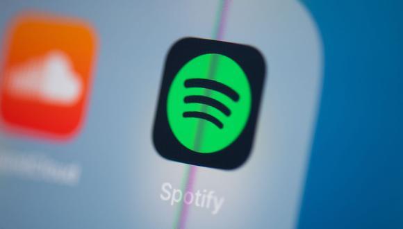 Spotify podría recomendar canciones de forma más personalizada, pues sería capaz de detectar otros factores como el género, la edad del usuario o el acento, la entonación o el ritmo cuando habla. (Martin Bureau / AFP)