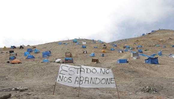Hoy 13 de abril se continúa reportando la llegada de más personas a invadir zona cerca a la playa La Chira en el distrito de Chorrillos. (Foto: Andrés Paredes/ @photo.gec)
