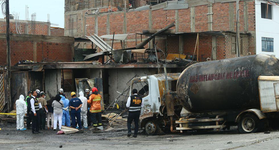 Lima 23-01-20Cami—n cisterna explota y causa incendio ,afectando numerosas viviendas y dejando 31 heridos y fallecidos en el distrito de Villa El Salvador.Fotos/ GONZALO CîRDOVA/GEC