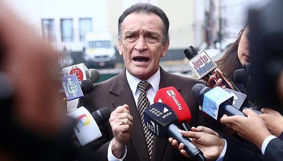 Héctor Becerril insiste en que adelanto de elecciones no se aprobó en Consejo de Ministros