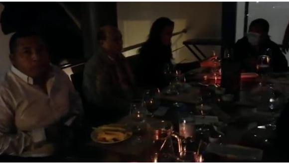 José Ruiz (Trujillo), Miguel Chávez (Laredo) y César Juárez (Víctor Larco) se encontraban cenando en un local de la avenida Larco en pleno horario de toque de queda.