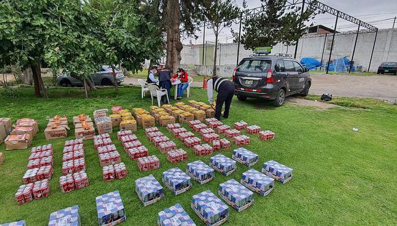 Policías de Arequipa incautan S/ 10 mil en golosinas de contrabando