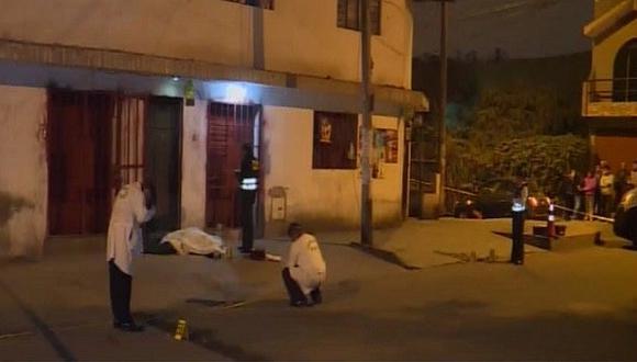 Asesinan de tres balazos a hombre en la puerta de su casa en San Juan de Miraflores (VIDEO)