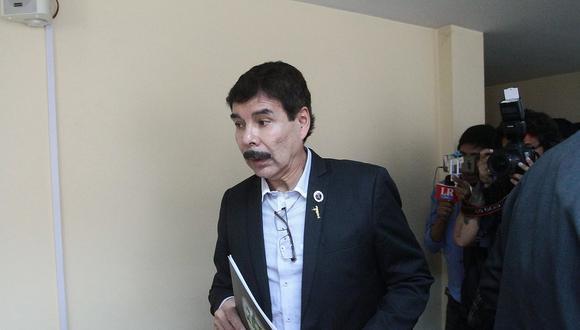 Juez ordena que Zegarra no salga del país hasta junio de 2020