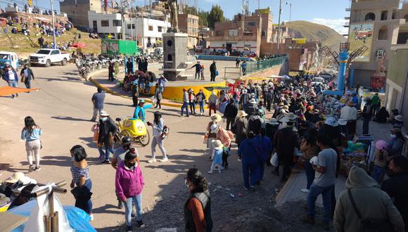 Ciudadanos no respetaron las medidas sanitarias de bioseguridad. (Foto: Feliciano Gutiérrez)