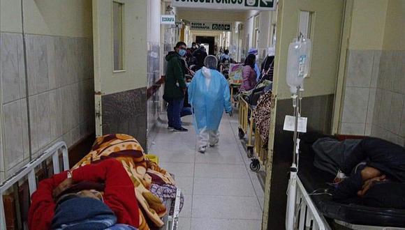 Paciente herido de bala sigue en pasillos| Foto: Referencial