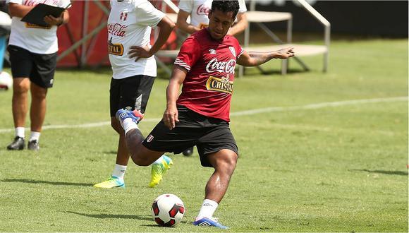 Renato Tapia fusionó camiseta del Feyenoord con la de la selección peruana (FOTO)