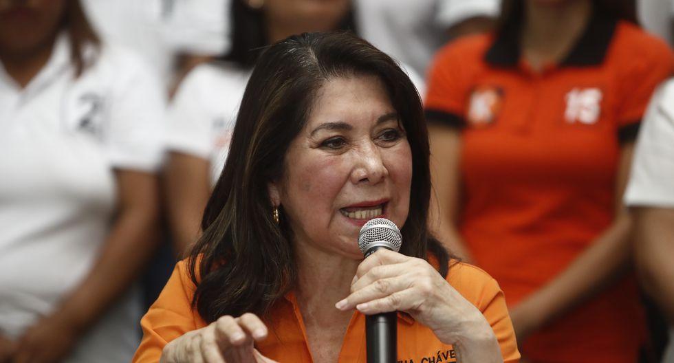 """Martha Chávez reclamó airadamente y aseguró que le estaban """"cortando el audio"""" en la plataforma virtual. (Foto: GEC)"""