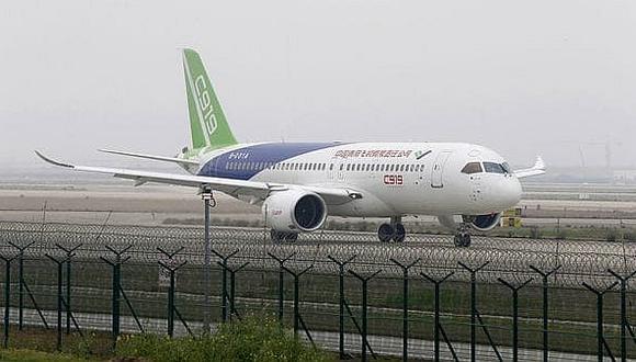Despegó primer avión comercial chino que busca vencer a Airbus y Boeing [VIDEO]