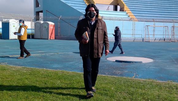 Vicente Chávez Catacora vigiló los votos del fujimorismo en el estadio Joel Gutiérrez. (Foto: Adrian Apaza)