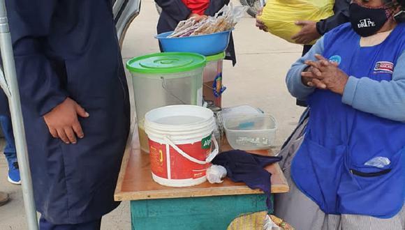 Dirección de Trabajo entrega bolsas con víveres.