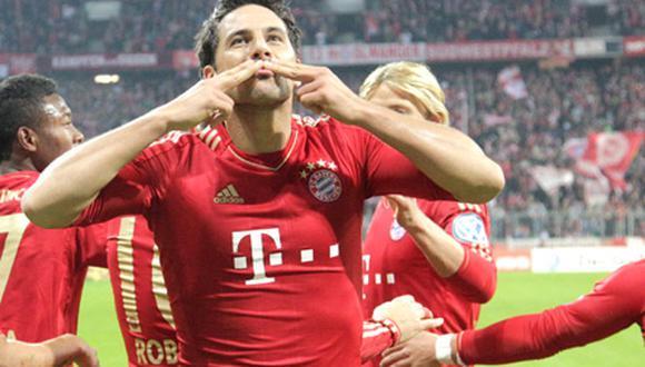 Borussia Dortmund interesado en Claudio Pizarro