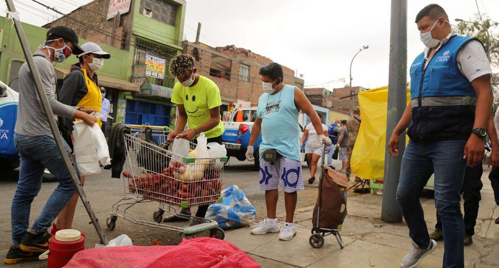 Más de 30 comerciantes informales fueron desalojados de las cudras 12 y 13  del jirón Áncash, exactamente frente al Instituto Nacional de Ciencias Neurológicas, en Barrios Altos. (Foto MML)