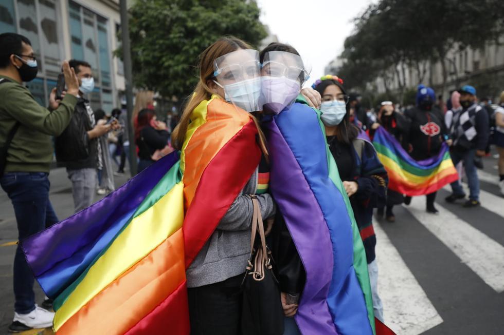 """Desde las 3p.m. de este sábado, se desarrolla la marcha por el día del Orgullo LGTBIQ+ en el Centro de Lima, que tiene como lema """"Bicentenario con Resistencia y Visibilidad: Por un Perú con Igualdad para Todos"""". (Foto: Diana Marcelo/@photo.gec)"""