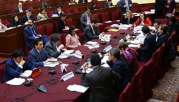 Congresistas rechazan propuesta del Ejecutivo para que parlamentarios declaren patrimonio