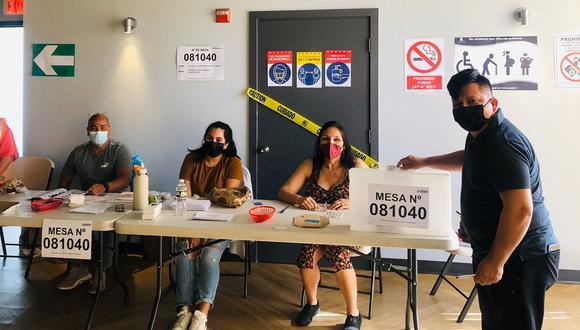 Imagen de una mesa de votación en Estados Unidos. (Foto: Cancillería)