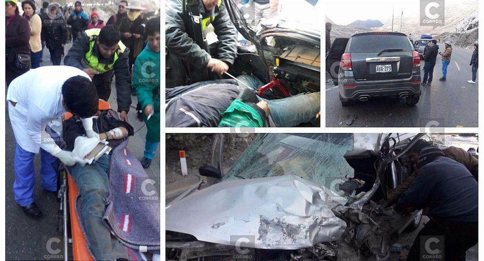 Un muerto y diez heridos deja choque de auto y camioneta