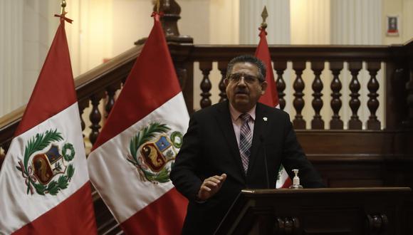 Presidente del Congreso lamentó las declaraciones del ministro de Energía y Minas, Miguel Incháustegui, y afirmó que está investigado por el delito de colusión.