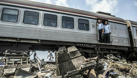 Egipto sanciona a médicos por hacerse selfies en el accidente de trenes