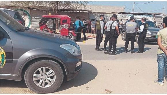 Un anciano fue decapitado en su vivienda, en Huancabamba; mientras que en Veintiséis de Octubre, un mototaxista fue acribillado.