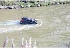 Hombre sale nadando del río Mantaro luego de sufrir accidente de tránsito (VIDEO)