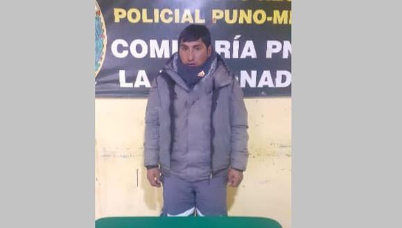 Además del armamento, se le halló una billetera conteniendo diversos documentos que pertenecerían al detenido. (Foto: Difusión)