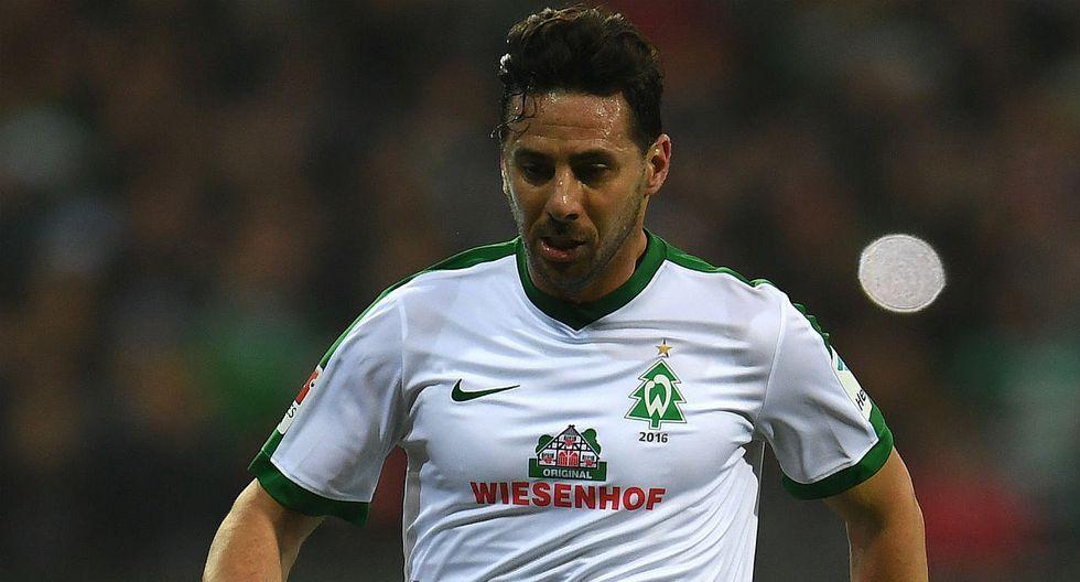 Claudio Pizarro: Werder Bremen anunció que no le renovará contrato