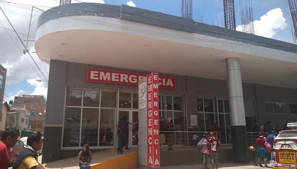 Policía fue trasladado hasta una conocida clínica privada en Juliaca.