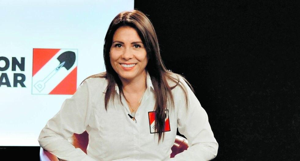 """""""No tengo ningún proceso de violencia familiar ejercida hacia mi menor hijo. Fui la denunciante y de denunciante pasé a ser denunciada"""", afirmó Mónica Saavedra. (Foto: Difusión)"""