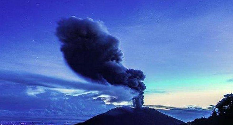 VIDEO: Erupción del volcán Turrialba impresiona por su belleza