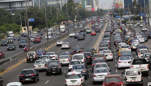 Medida 'pico y placa' incrementa congestión vehicular en San Isidro