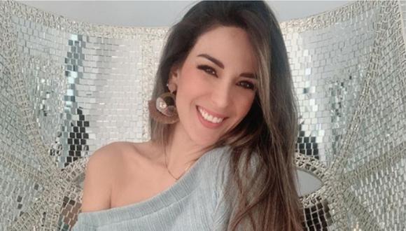 Silvia Cornejo sonriendo en una fotografía que publicó en su cuenta de Instagram.