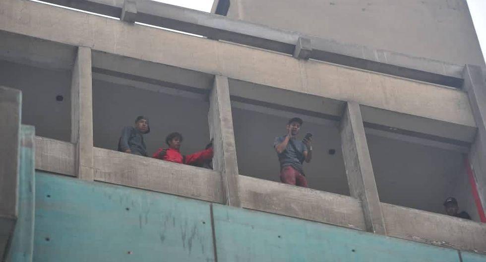 Delincuentes irrumpen en local de Fonavi. Fotos: Diana Marcelo