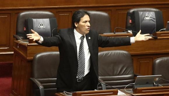 """Segundo Tapia a Daniel Salaverry: """"Se estaría convirtiendo usted en un dictador como Martín Vizcarra"""""""