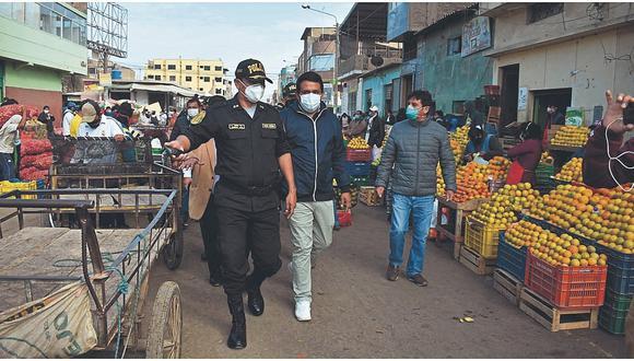 Ambulantes invaden calles en José Leonardo Ortiz