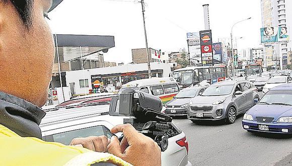 """Ejecutarán obras viales con dinero recaudado a través de multas de """"pico y placa"""""""
