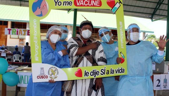 Inician vacunación contra la COVID-19 a comunidades nativas del Bajo Urubamba, en Cusco.